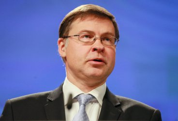 Домбровскис: Рисковете за икономиката на ЕС се засилват
