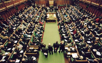 Британските депутати приеха предложение, което ще затрудни Брекзит без сделка