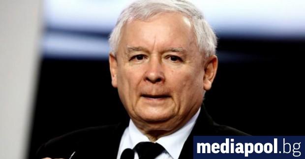 Управляващите националисти в Полша искат да привлекат по-образования градски електорат,