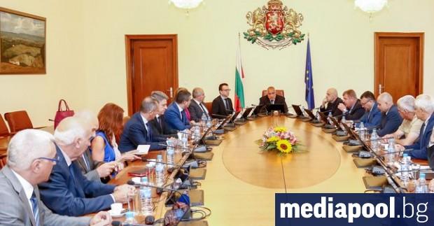 Лични и финансови данни на милиони българи изтекоха в интернет