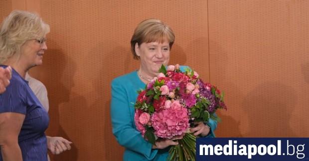 Ангела Меркел заяви, че се чувства във форма да изкара