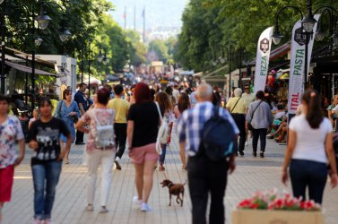 Спадът на чуждите туристи у нас се забавя през юни