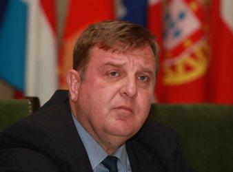 Каракачанов увери, че ще има договор за нови кораби за ВМС до края на годината