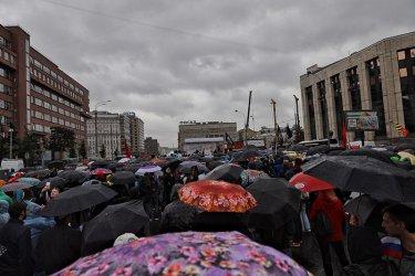 Властите на Москва разрешиха митинг за 100 000 души, но забраниха шествие
