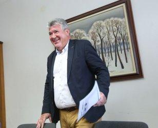 Уволненият шеф на НЕК се оплака от натиск за сделки с ток
