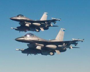 България плати в аванс цялата сума за F-16
