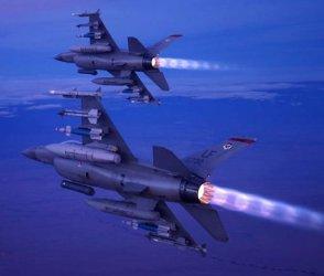 """Край на драмата: Радев """"пусна"""" сделката за F-16"""