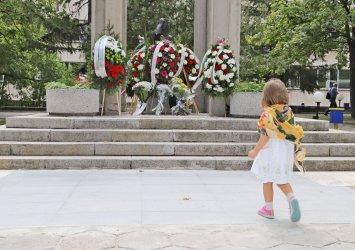 """Паметта на загиналите при спасяването на хора медици беше почетена в """"Деня на спасението"""""""