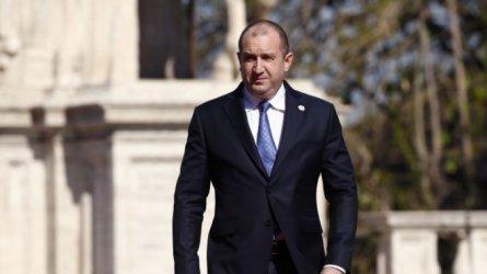 Президентът: Има опасност военното разузнаване да се политизира