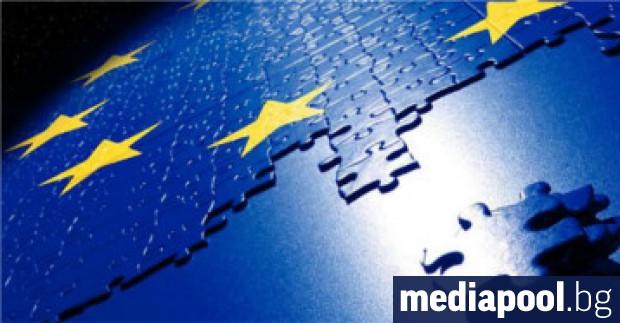 На фона на рухването на управляващата коалиция в Италия и