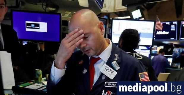 Американските борсови индекси отбелязаха рязък срив вчера, реагирайки на новината