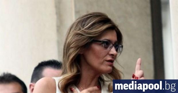 Съпругата на президента Румен Радев – Десислава Радева, критикува във