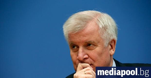 Германският вътрешен министър Хорст Зеехофер изрази намерение да възстанови контрола