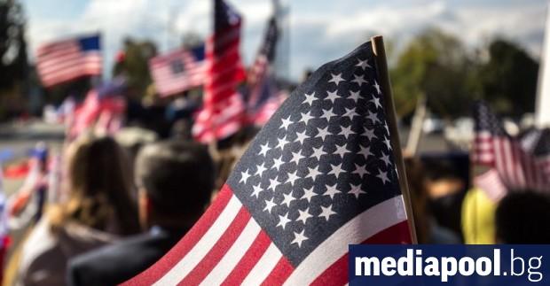 Повечето американци не вярват на медиите, а още по-голям брой