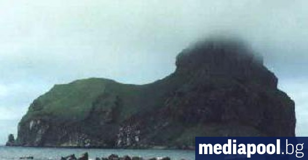 Руският министър-председател Дмитрий Медведев посети един от оспорваните Курилски острови,