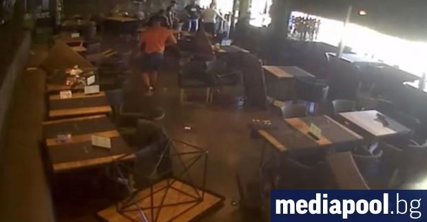 Група мъже нанесли сериозни материални щети в заведение на столичния