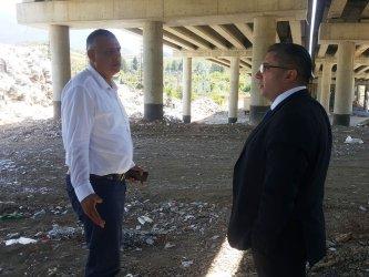 """Боклуците на магистрала """"Струма"""" край Дупница остават"""