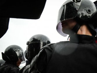 Масови обиски в жилища и офиси на привърженици на Навални из цяла Русия