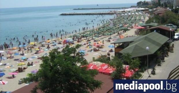 Снимка: Даде ли правителството част от улица в Поморие на концесия като плаж?