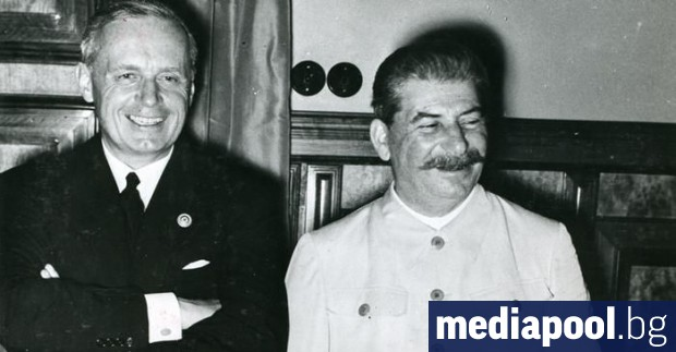 Преди 80 години беше подписан т. нар. пакт Молотов-Рибентроп (или