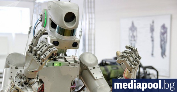 Първият робот, който ще работи на международната космическа станция (МКС),