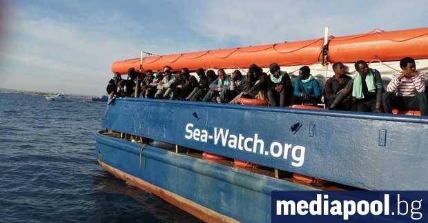 Приключи одисеята на хуманитарните кораби