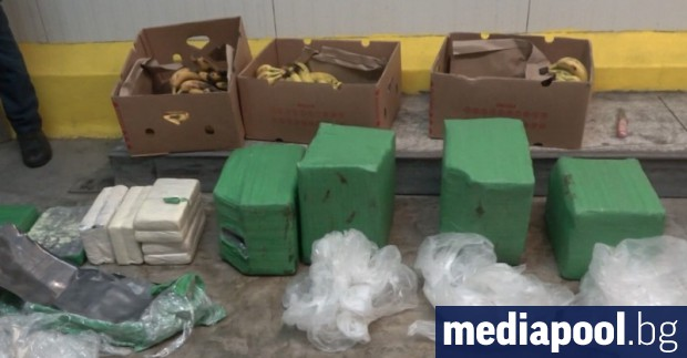 Полицията проверява всички складове на фирмата, в чиято бургаска база