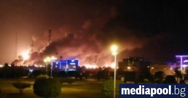 Нападения с дронове са предизвикали пожар в две големи петролни