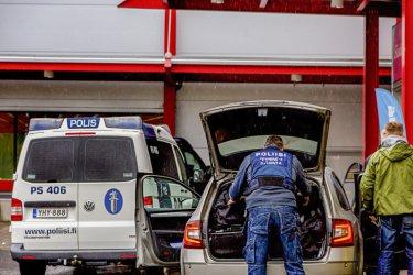 Нападателят във финландския мол е действал сам