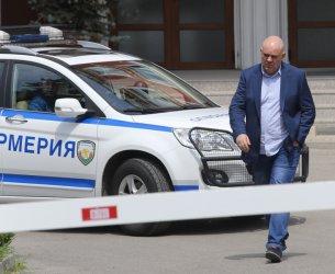 Гешев бе допуснат до изслушване за главен прокурор, докато лови телефонни измамници