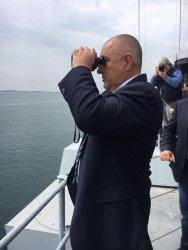 Военният флот: Как кораб тръгна назад и ще имаме ли отново подводница