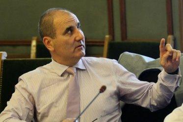 """Центърът на Цветанов разкритикува """"ултимативния тон"""" към Скопие"""