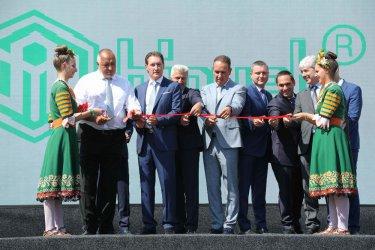 Борисов: Ден през ден откриваме заводи, докато Европа е в рецесия