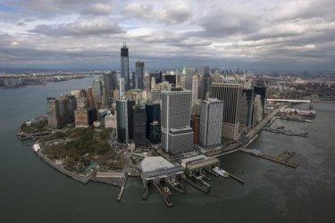 Херкулесовски усилия са нужни на Ню Йорк, за да устои на покачване на водното ниво
