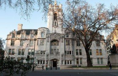 """Британският Върховен съд ще обсъжда 3 дни законна ли е принудителната """"ваканция"""" на парламента"""