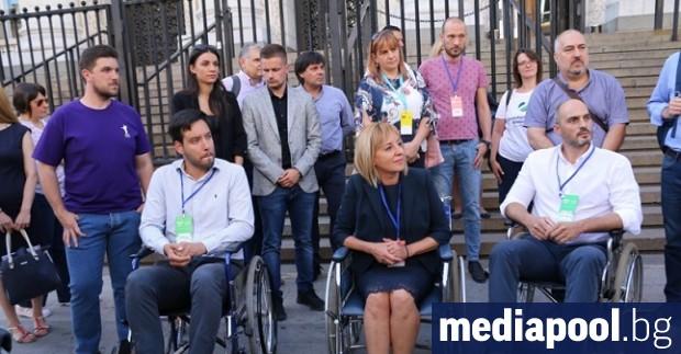 Трима от кандидатите за кмет на София седнаха в инвалидни
