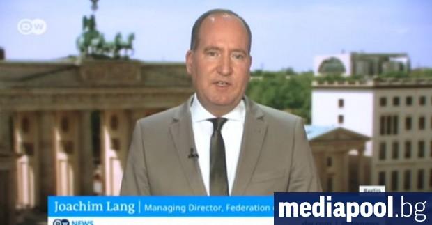 Ръководителят на влиятелна германска индустриална асоциация предупреди днес да не