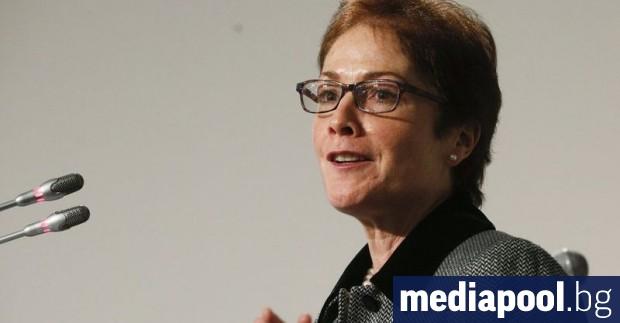 Бившият американски посланик в Украйна Мари Йованович е била отстранена