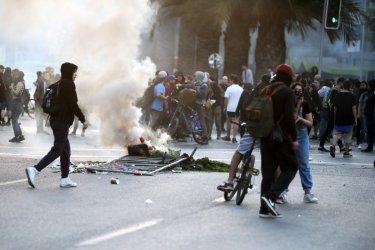 Протестите в Чили продължават въпреки отстъпката на правителството
