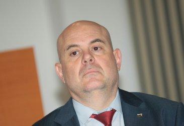 Гешев е избран за главен прокурор под полицейска обсада, сеир и блокада