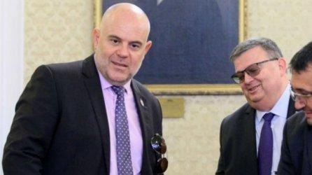 """Цацаров и Гешев си издействали визита в САЩ заради разследването """"Русофили""""?"""