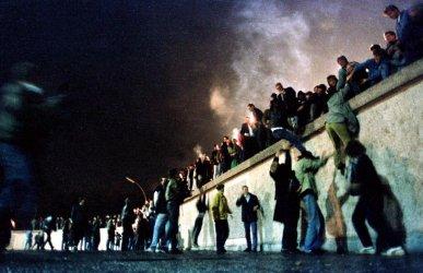 Трийсет години след падането на Берлинската стена контрастът между Източна и Западна Германия се запазва