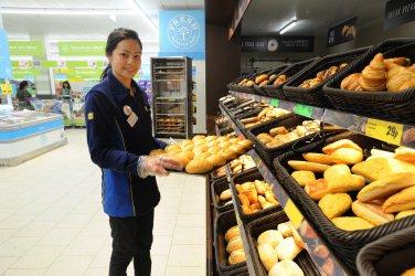 """Хляб и захарни изделия доминират износа на български храни за веригата """"Лидл"""""""
