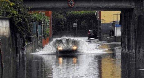 Две жертви на поройните дъждове в Северна Италия