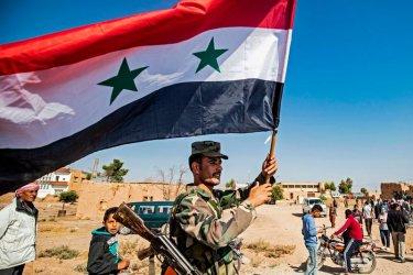 Сирийски войски стигнаха границата с Турция