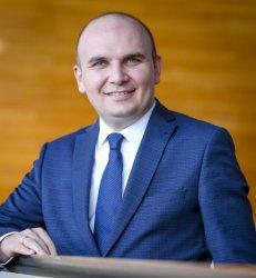 Илхан Кючюк е новият постоянен докладчик на Европарламента за Северна Македония