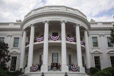 """Белият дом спира абонамента си за вестниците """"Ню Йорк таймс"""" и """"Вашингтон пост"""""""