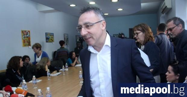 Директорът на столичното 119-о училище Диян Стаматов агитирал в електронния