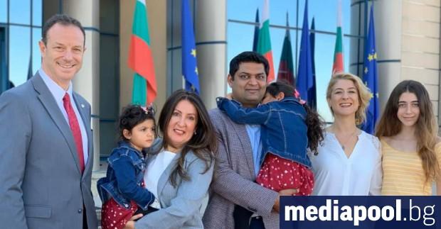 Новият американски посланик у нас Херо Мустафа и семейството ѝ