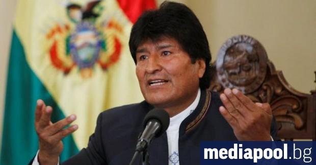 Досегашният боливийски президент Ево Моралес води на президентските избори в